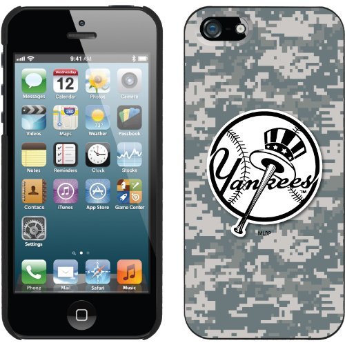 Best Price New York Yankees - Digi Camo Yankees design on a Black iPhone 5s / 5 Thinshield Snap-On Case by Coveroo