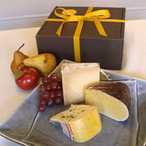 Zinfandel Cheese Assortment in Gift Box (3.2 pound) by igourmet