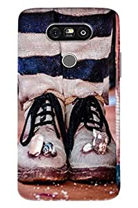 Blue Throat Men With Foot Printed Designer Back Cover/ Case For LG G5