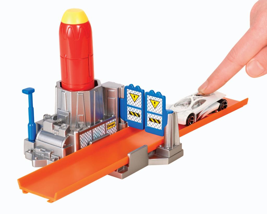 Amazon.com: Hot Wheels Track Builder Rocket Launcher Stunt Pack: Toys ...