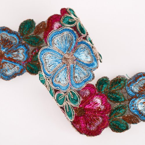 Gold Metallic Cutwork Indian Hand Embroidery Style Salwar Kamee & Sari Unique Ribbons Trimming Border. Very Special, In Turquoise And Cerise Red, Floral Daisies Pattern, Embellished Look; Beautiful!