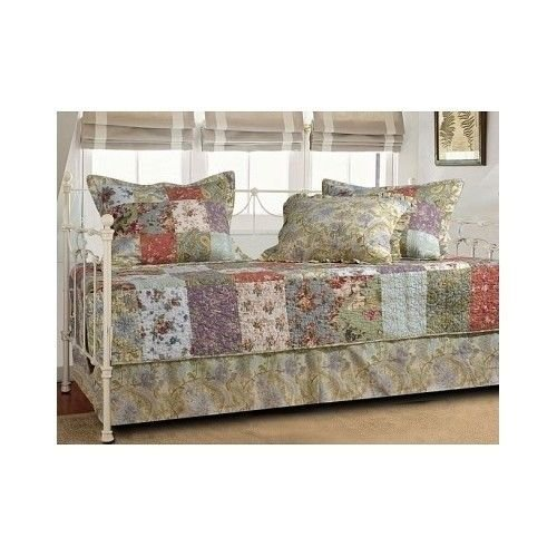 Blooming Prairie 5-Piece Daybed Set front-752172