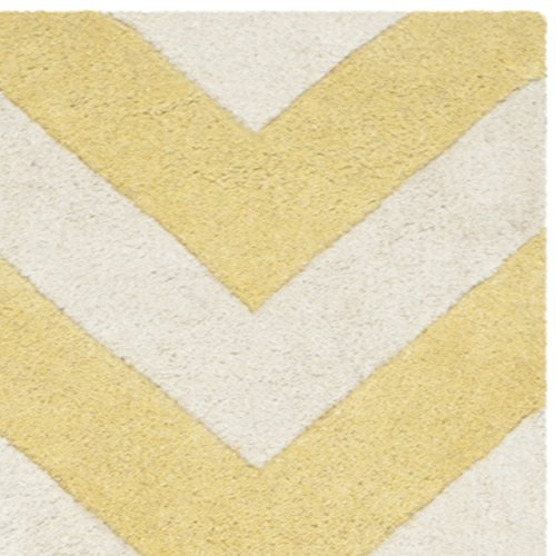 Safavieh Chatham Collection CHT715L Handmade Light Gold and Ivory Wool Area Rug, 2 feet 3 inches by 5 feet (2'3