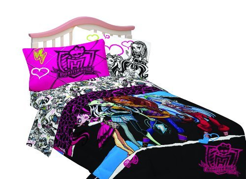 Monster High Dolls Ghouls Rule Twin Bed Comforter front-856500