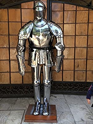 Full Suit of Armor with Eatched Breast Plate Leg Guard and Shoulder Guard
