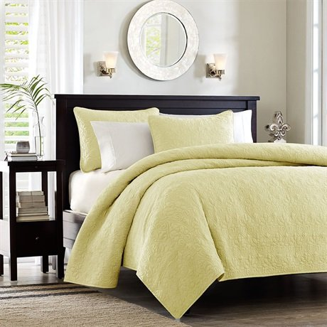 Quebec 3 Piece Coverlet Set Size: Full/Queen, Color: Yellow front-957702