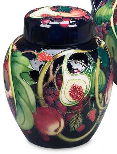 Moorcroft Pottery Queens Choice 769/8 Ginger Jar