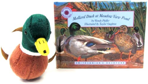 Mallard Duck at Meadow View Pond (Smithsonian's Backyard Book & Toy Set) (Mini book with stuffed toy animal)