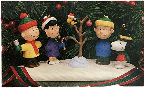 Hallmark Keepsake Ornament Five Piece A Charlie Brown Christmas Tabletop Set
