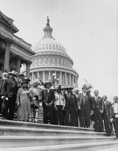1934 Redskins attend Indian bill hearing in Washington. Delegation of Yakima Indians, led by Chief S