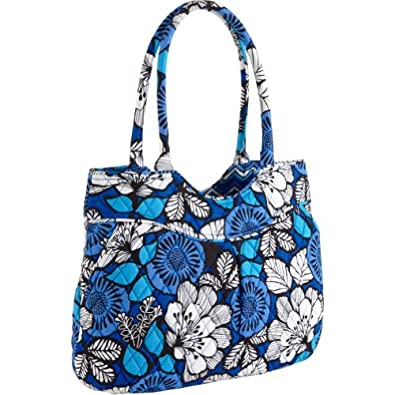 Product Description Vera Bradley has crafted the perfect commuter bag that combines business.