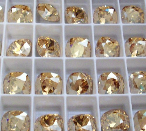 Lot Of 12Pc Swarovski Elements 4470 Color: Golden Shadow Shape Loose Fancy Stones: Square/Rectangular Size: 12Mm Type: Foiled / Cushion Back Square Rhinestones Are Jewelry Quality Rhinestones (Machine Cut) Providing Lots Of Facets For Maximum Sparkle. Thi