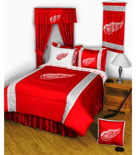 Red Wings Bedding front-1010695