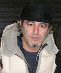 Luca Carboni photo