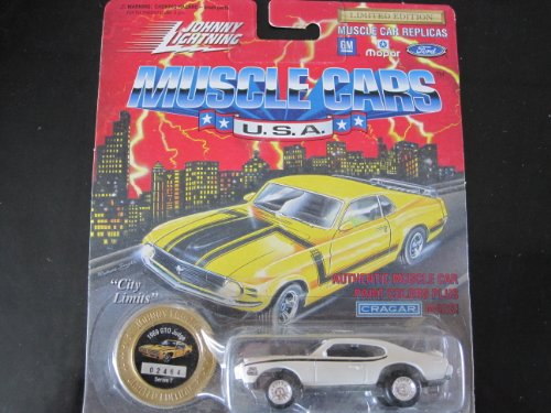 1969 GTO Judge (cameo white) Series 7 Johnny Lightning Muscle Cars Limited Edition - 1