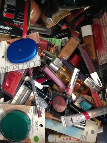 50 Piece Wholesale Makeup Assorted Lot ~ L'Oreal Maybelline Covergirl Sally Hansen Almay Revlon & More Name Brand Cosmetics (50 Piece) front-714465