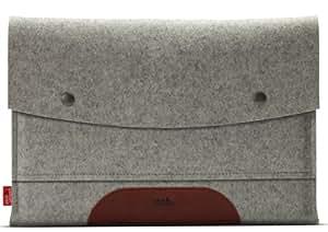 """MacBook Air 13"""" sleeve HAMPSHIRE Gris/marron clair - en feutre de laine 100% mérinos et cuir naturel à tannage végétal - Handmade in Germany, Hamburg"""