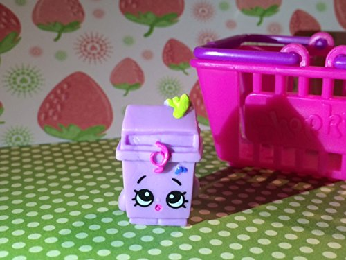 Shopkins Season 2 #2-032 Purple Lisa Litter