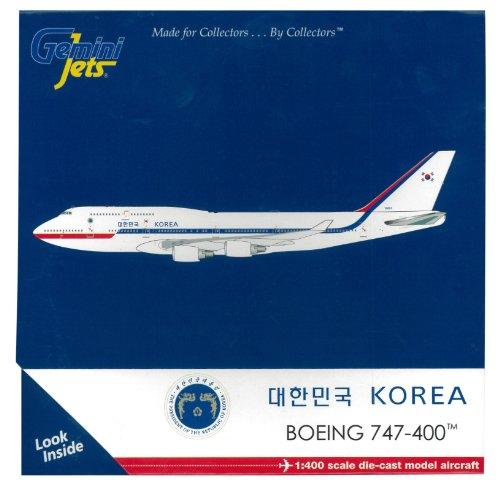 gemini-jets-gjkaf1214-korean-air-force-boeing-747-400-1400-diecast-model