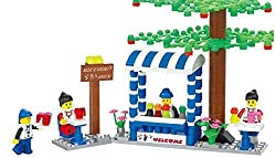 Cold Drinks Shop 191 Pcs Smoothies Drink Shop Building Blocks Set With Huge Tree, Flowering Plants, Table, Counters, Chairs, And 4 Figures Gift That Excites Every 6+ Child In Lego Compatible Parts
