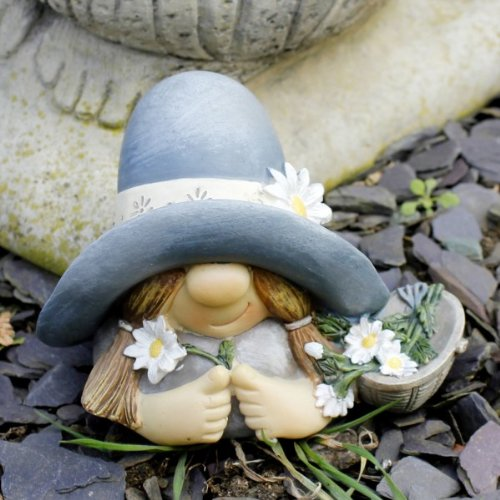 Unusual Mrs Summer Hat Garden Gnome Ornament In Resin