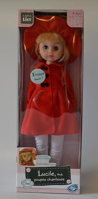 Lucile, ma poupée chanteuse - manteau rouge