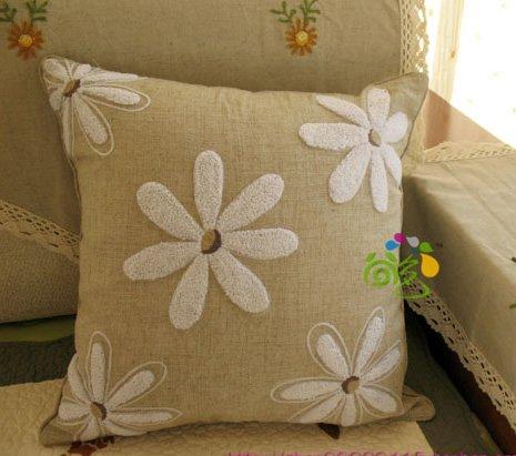 Handcraft Cotton & Linen Embroided Velvet Daisy Cushion Cover/Pillow Case