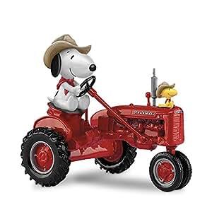 Amazon.com: Peanuts Snoopy and Woodstock on a Farmall Tractor Figurine