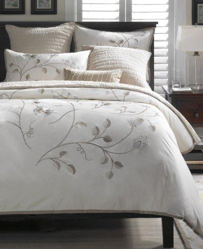 Harbor House Camellia Comforter Set