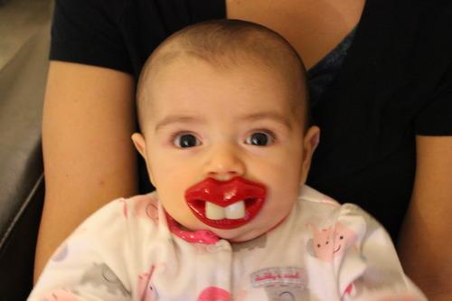 Chupón de silicon recomendado para bebes de más de 6 meses. $5.32