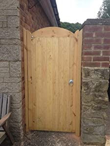 Curved wooden gate