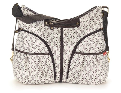 skip hop versa diaper bag babyspun. Black Bedroom Furniture Sets. Home Design Ideas