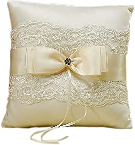 Amazon.com: Beverly Clark French Lace Ring Pillow, Ivory: Throw Pillows: Kitchen & Dining