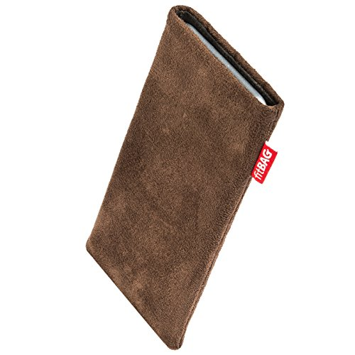 fitBAG Country Brown custom tailored sleeve for Elephone P8000. Fine faux suede pouch with integrated MicroFibre lining for display cleaning