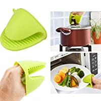 Kitchen Cooking Microwave Silicone Oven Mitt Insulated Non-slip Glove ( Green color)