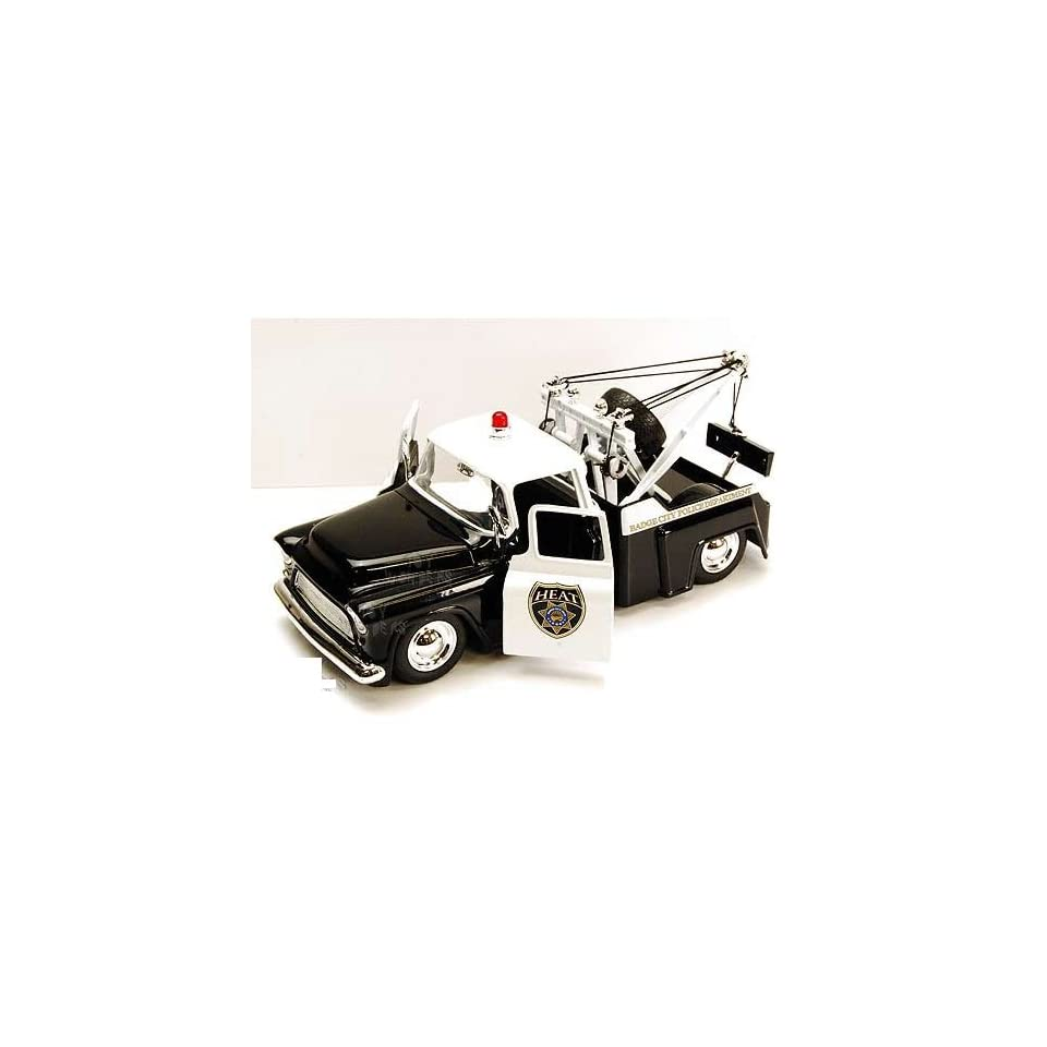 Jada Toys Heat   Chevy Stepside Police Tow Truck (1955, 124, Black & White)
