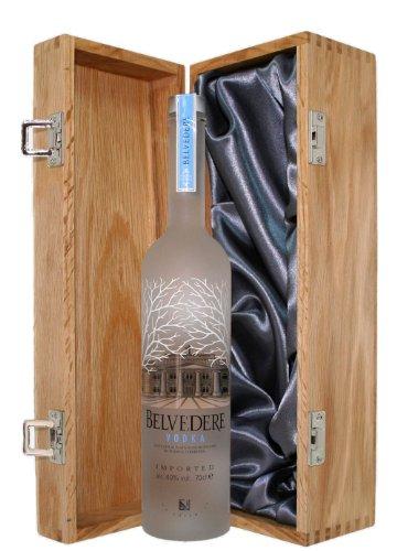 belvedere-vodka-presented-in-a-luxury-oak-wooden-box-700ml
