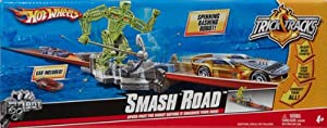 Hot Wheels Smash Road Tricks & Tracks Stunt Playset