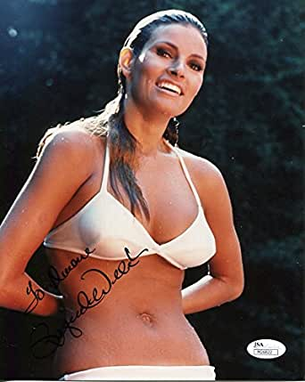 RAQUEL WELCH AUTOGRAPHED 8x10 COLOR P{HOTO+JSA SEXY BIKINI POSE at