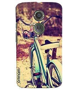Omnam Cycle Standing In Park Photo Designer Back Cover Case For Motorola Moto X2