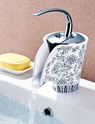 cac-un-robinet-de-ceramique-la-porcelaine-bleu-et-blanc-finition-peintureappuyez-sur424
