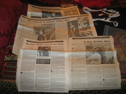 Barbara Streisand Newspaper Articles 1980'S (- 8 Pages Of Various Newspaper Articles , 1980S)