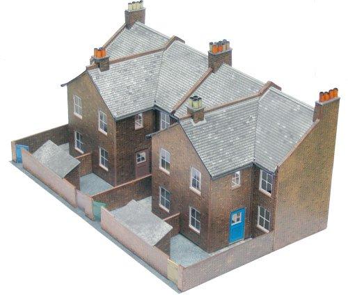 Superquick 1:72 Four Redbrick Terrace Backs - Low Relief Card Kit C5