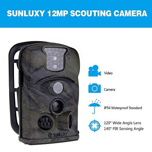 SUNLUXY® Videocamera Fotocamera da Caccia 12MP CMOS a Colori IR PIR Visione Notturna Grandangolare 140° Schermo LCD Hunting Camera Con Scheda SD 4GB - Camuffamento