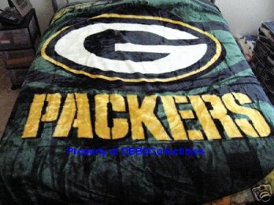 "Licensed NFL Green Bay Packers Lightning Luxury Plush Queen Blanket 76""x94"""