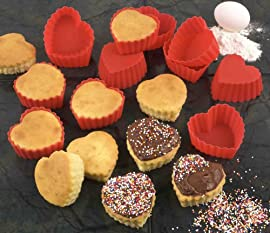 HEART SHAPED SILICONE CUPCAKE MOLDS - SET OF 12