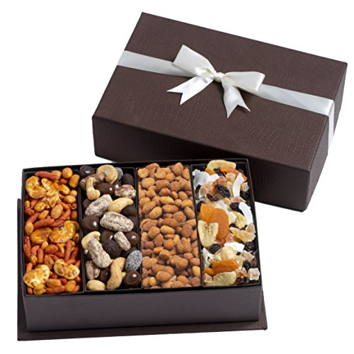 Подарок из сухофруктов и орехов