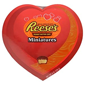 VALENTINES DAY CHOCOLATE CANDY HEART BOX REESES PEANUT BUTTER CUPS MINIS 8 OZ