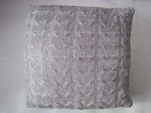 kuscheliges kissen strick zopfmuster 45x45cm in grau von feshkimo k che haushalt. Black Bedroom Furniture Sets. Home Design Ideas