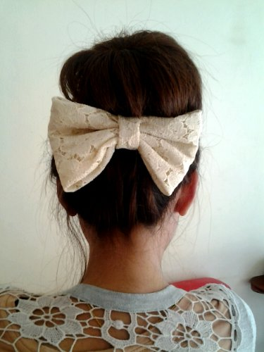 CREAM LACE BIG BOW HAIR CLIP